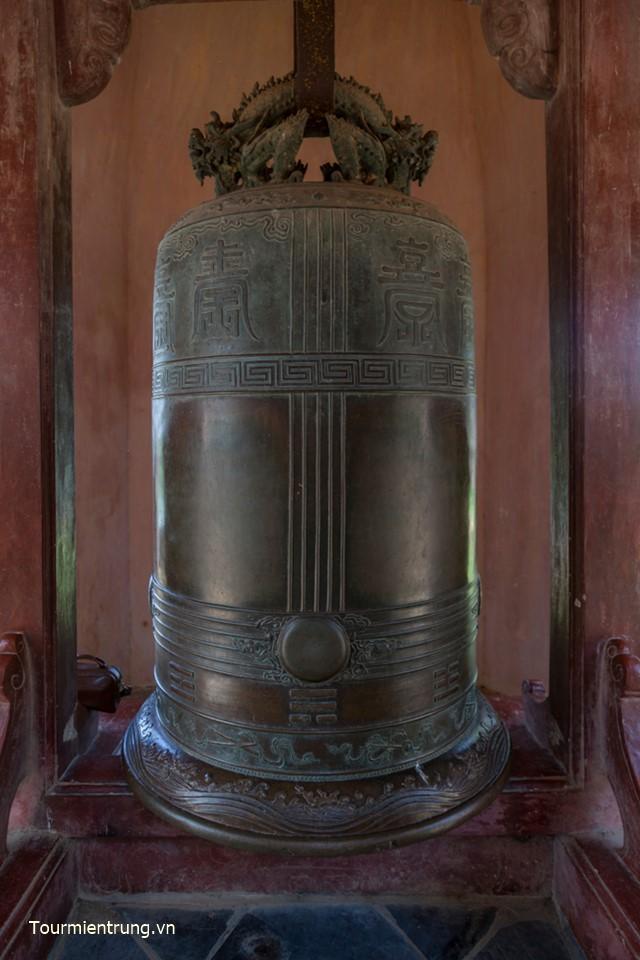 Đại Hồng Chung chùa Thiên Mụ Huế