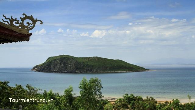 Đảo Yến Quảng Bình